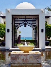 Beautiful Arabic-style features in the Chedi's grounds